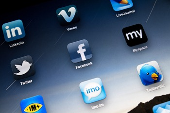 Social Media Apps on Apple iPad2