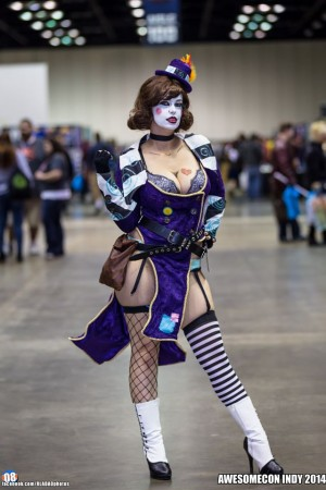 "Lola Hart cosplaying as ""Mad Moxxi"" from Borderlands"
