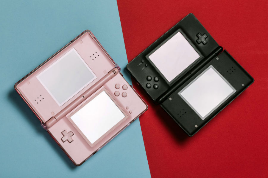 C:\Users\acer\Dropbox\Gamulator Guest Posting Articles - Ivan\Novi Tekstovi\Computergeekblog -5 Retro Games To Play On Your Old Nintendo DS Console\nintendo-ds-old-console-for-video-games.jpg